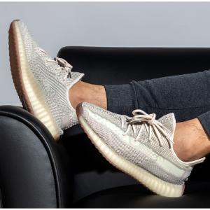 """Adidas - Yeezy Boost 350 V2 """"Citrin"""" 配色,售价$220"""
