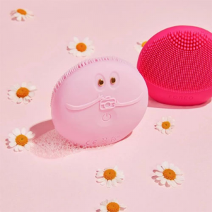 FOREO LUNA fofo, ESPADA, ISSA & More Sale @ Lookfantastic UK