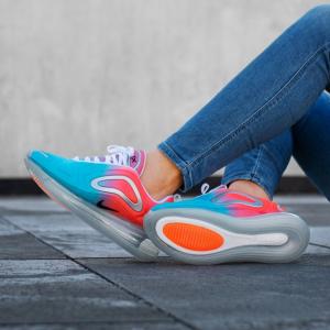 半价,耐克 Nike Air Max 720 女士运动鞋  @Foot Locker