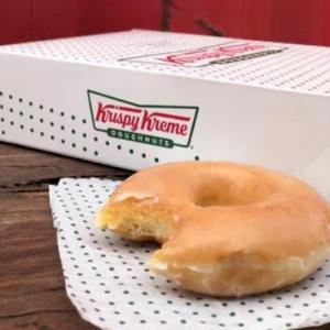 Krispy Kreme Original Glazed Dozen Doughnuts