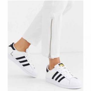 Asos UK官網adidas Originals Superstar 黑金貝殼頭運動休閑鞋特賣