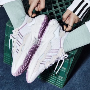 WOMEN'S ORIGINALS OZWEEGO SHOES @ adidas