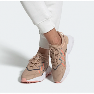 Adidas 精選 服裝,鞋類及配飾等特賣