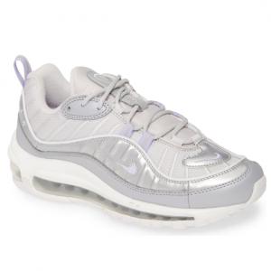 Nike Air Max SE Sneaker @ Nordstrom