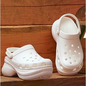 メルマガ新規登録で @Crocs Japan,会員限定セール、クーポンや新商品など 最新情報をお届け!