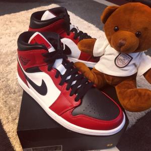Nike官网 Air Jordan 1 Mid 芝加哥大童款篮球鞋热卖