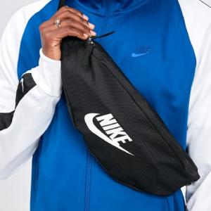 Footasylum 精選Nike、Adidas、Champion、The North Face等Mini包袋促銷