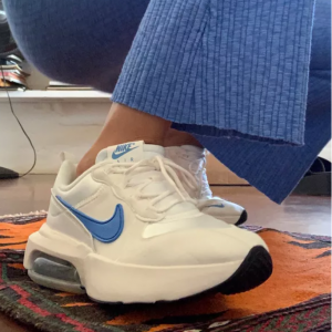 Urban Outfitters 精选Converse、Adidas、Nike、Reebok、Vans等鞋履促销