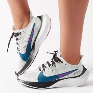 Urban Outfitters官网 Nike Zoom Gravity 女款跑鞋热卖