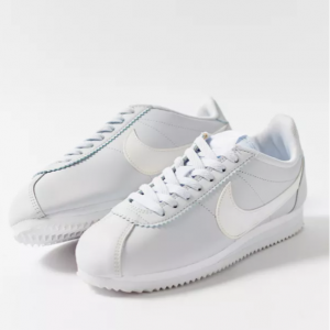 Urban Outfitters官網 Nike Classic Cortez 女款經典阿甘鞋7折熱賣