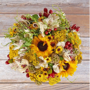 Double Blooms Sale: Get a Deluxe-sized Boo-uq + only pay the price of an Original.@ The Bouqs