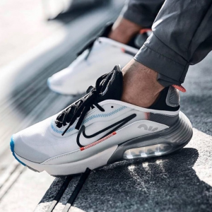 STATUS會員提前享 - Finish Line 精選adidas、Nike、Champion等服飾鞋履熱賣