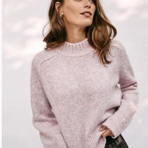 Ann Taylor 精選正價毛衣上衣1件6折/2件5折熱賣