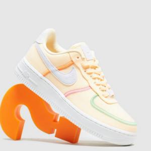 Size.co.uk官网 Nike Air Force 1 '07 LX 柠檬黄女款运动鞋热卖